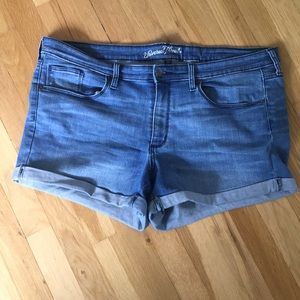 Stretch Denim Shorts Size 18